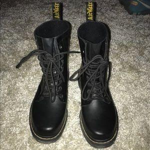 Dr. Martens Shoes - Dr. Marten's- Airwalk
